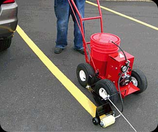 asphalt striping equipment and pavement striping equipment