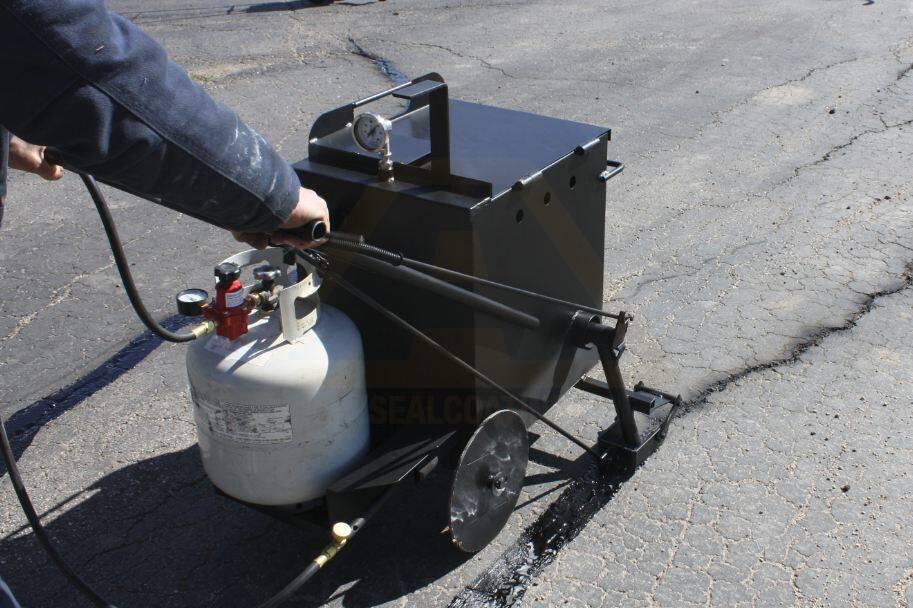 Asphalt Crack Filler Products : Blacktop crack filler sealer for parking lot cracks